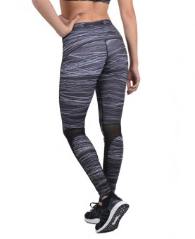 body-action-women-allover-printed-fitted-leggings-black-3